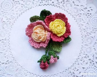 Kawaii Crochet Flower Corsage Brooch - Pink Roses -
