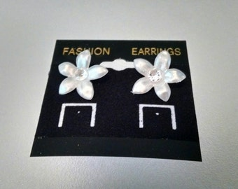 White Lily Earring