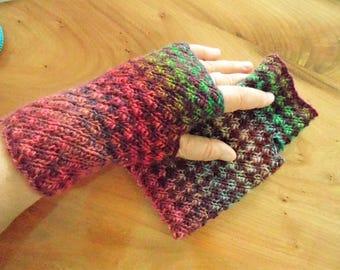 Mitaines courtes nr.3, belle prime de 100 % laine, oh tellement coloré