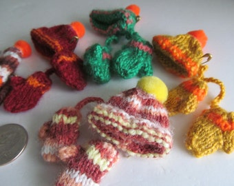 Miniature Brooch Hand Made Hats and Mittens Ornaments Gift Tag Bows Knit Hats Knit Mittens