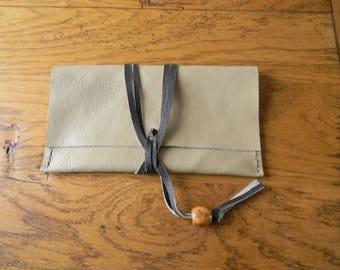 Beige leather lace closure Pocket