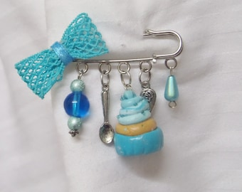 Delicious pin, beads and blue charms