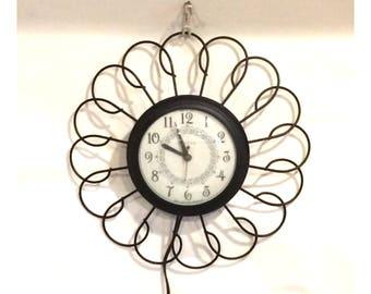 Vintage 1950's Mid-Century United Clock Corp. Metal Wall Clock
