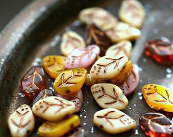 15 fallende Blätter - Premium-Glas-Perlen, Elfenbein/Beige, Blätter Mandarine Orange, Rosa, Transparent Granat, Metallic Bronze Patina 12x8mm