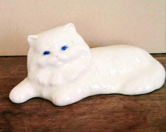 Vintage Ceramic Persian Cat Figurine - White Kitty Cat Collectible