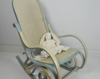 Bentwood Style Rocking Chair Nursery Living Bedrooms Farmhouse Chic Home and Living Decor