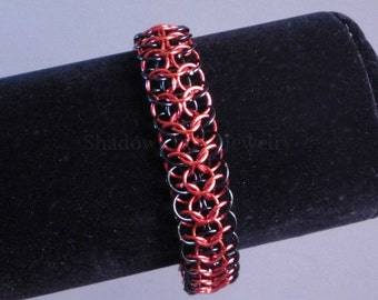 Interwoven Chainmaille Bracelet Red and Black Reversible, silver tone toggle clasp, European I4 in 1 chainmail