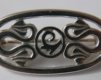 Vintage Art Nouveau inspired Silver Brooch - 32mm x 17mm with makers mark of HO.