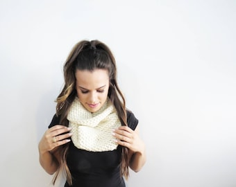 soft infinity scarf. winter scarves. ivory circle scarf. womens knit scarf. crochet white scarf. cream eternity scarf. cozy winter scarf.