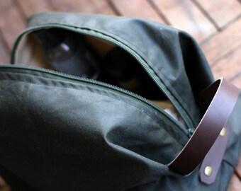 Waxed Canvas Toiletry bag - Boyfriend gift - Cosmetic bag - Waxed Canvas bag - dopp kit - canvas pouch - shaving bag - Valentine's Day