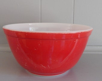 402 Red Primary Color PYREX Mixing Bowl