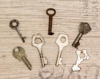 Old keys Vintage keys Skeleton key Rustic decor Steampunk key Industrial decor Barrel key Genuine vintage keys - set of 7