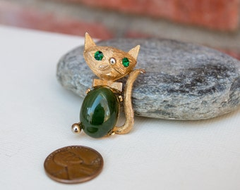 Vintage Jade Cat Pin Rhinestone eyes