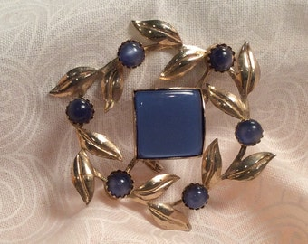 Vintage  Cobalt Blue Moonstone Cabochon Brooch Pin with Gold tone Leaves Wreath Pin, Shawl or Scarf Pin, Cabochon