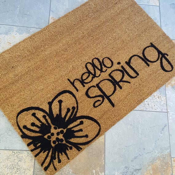 Hello Spring Doormat / Spring Decor / Doormat / Welcome Mat / Easter Gifts / Gifts for Her / Gifts for Him / Housewarming Gift / Flower Gift