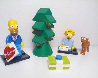 Lego Custom @ Simpson Christmas Set @ Homer Simpson, Maggie Simpson and Santa's Little Helper