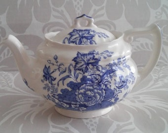 """Vintage Royal Doulton England China Teapot with Lid """"The Kirkwood"""" Blue and White Porcelain  D6314"""