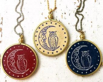 1 Art Nouveau Owl Crescent Moon Pendant necklace/ Rare 1920s Antique Poker Chip brass setting/ Red Blue gaming Men Unique Retro   A19