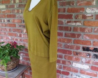 Mid Century ITALIAN Silk Knit Skirt Sweater Set. XS. Made in Italy.  Olive silk knit.