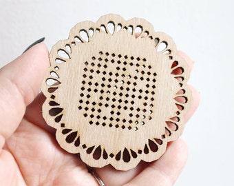 SET OF 5 - Snowflake Cross stitch pendant blank - blanks Wood Needlecraft Pendant, wooden cross stitch blank -Odv-ng-5-70