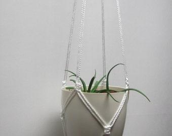 Simple white macrame plant hanger. Hanging planter, flowerpot hanger, hanging flowerpot holder.