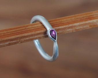 Silver ring with Garnet rhodoliet