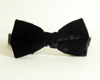 Black Crushed Velvet Christmas Bow Tie