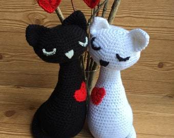 Set of Love Kitties.. crocheted..perfect for Weddings ,Anniversaries, Valentine's Day