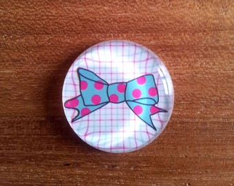 Round cabochon glass - decorative bow with polka dots