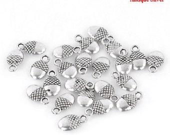 10 Pieces Antique Silver Acorn Charms