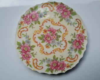 """1 Flower Bower Wreath  China Mosaic Focal Tile about 3 1/2"""""""
