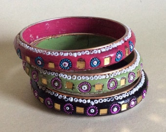 Boho Vintage 60s gypsy mosaic bangles- handmade set of 3 (cherry red, avocado and black)