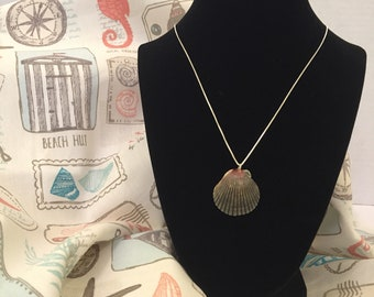 Grey and Red Scallop Natural Seashell Necklace
