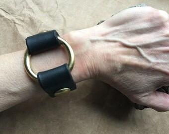 Black Metal Cuff/PUNK Cuff/UNISEX Bracelet/Black Leather Handmade Cuff Medium Brass Ring