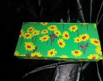 Rare Vintage 60s Flower Box / Stationary / Retro / Funky / Artsy / Crafts / Hippie / Folk