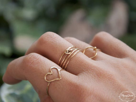 Embrace ring, knot ring, infinity ring, stackable ring, 18k yellow gold, eco gold, ethical rings, made in Italy, handmade, boho jewelry