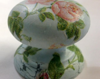 Pale blue peach roses new knob welsh dresser armoire bedside cabinet cupboard handle drawer pull country shabby chic dressing table kitchen