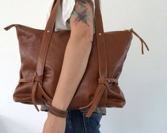20% OFF - Brown leather shoulder bag, zip tote bag