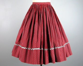 Vintage 1950s Skirt 50s Red Cotton Full Skirt with Petite Floral Print and Rick-Rack Size M