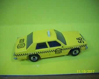 Matchbox Yellow Taxi Cab 1987 Ford LTD 1/69 Diecast Car Made In Thailand