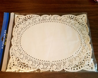"""8 White Oval Paper Doilies - 10"""" x 14"""""""