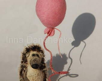 The needle felted toy hedgehog with the pink baloon - made to order
