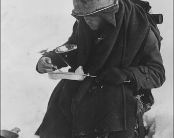 Poster, Many Sizes Available; American G.I. 26Th Division Has His Lunch In The Snow Wwii
