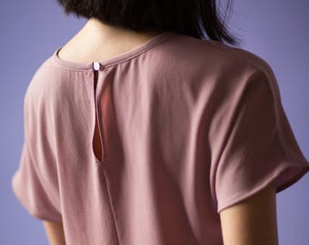 Loose Crop Crepe Top with Keyhole Back