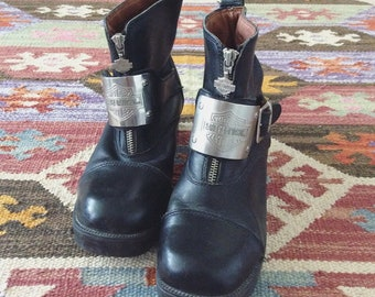 1990's Zip Up Harley Davidson Black Ankle Boots w/ Harley Davidson Metal Buck Leather Boots Size 8.5 by Maeberry Vintage