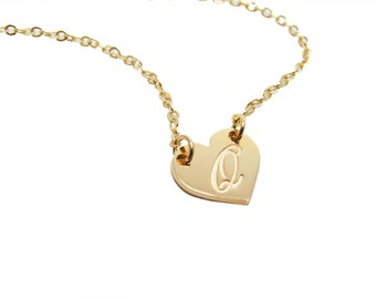 Heart necklace. Initial hearth necklace. Personalized gold heart Necklace. Gift for her. Monogram jewelry. Initial pendant. Initial jewelry