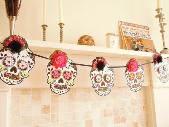 Sugar Skull banner, Mexican party garland, Day of the dead Mexican skull bunting, Handmade Mexican skull wall hanging.