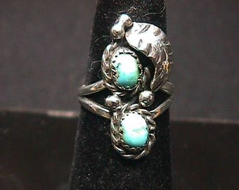 A Vintage Sterling Silver & Turquoise Signed Ladies Ring in a Size 6 1/2