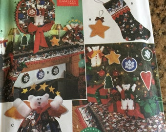 Simplicity 7840 Holiday Pattern collection Wreath, Ornaments, Tree Topper, Stocking, Tree Skirt & Mantel Scarf New