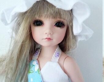 Patsy Ann'Estelle BID romantic outfit